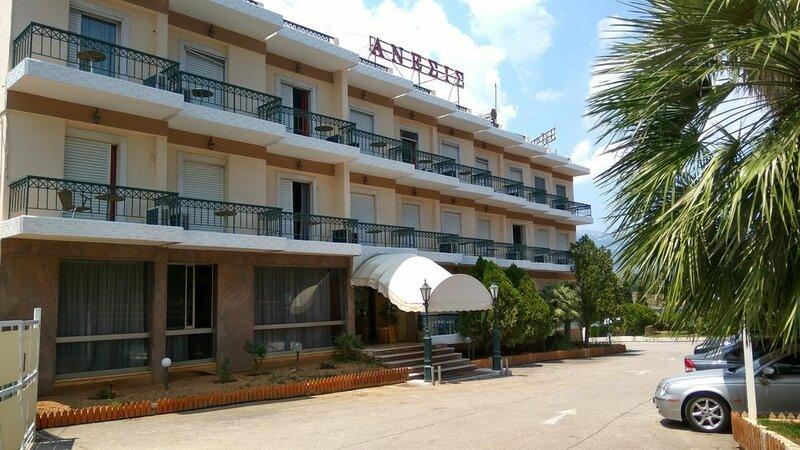 Отель Anesi