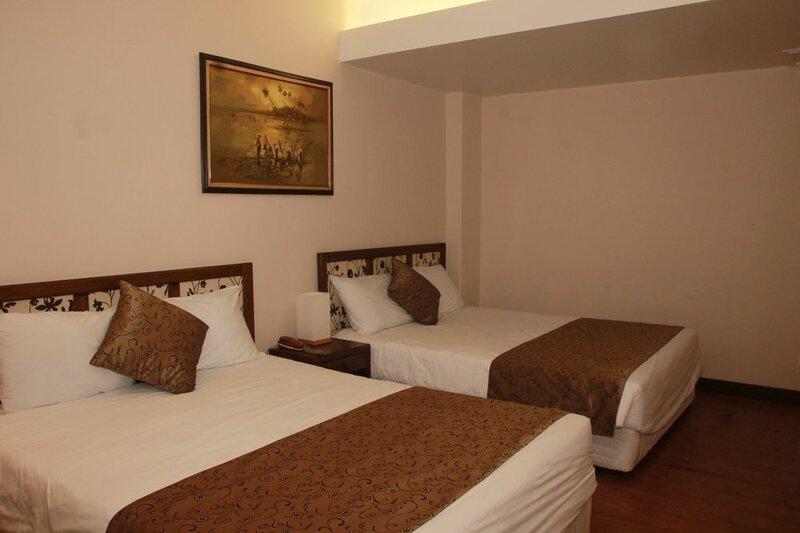 Holiday Saipan Hotel