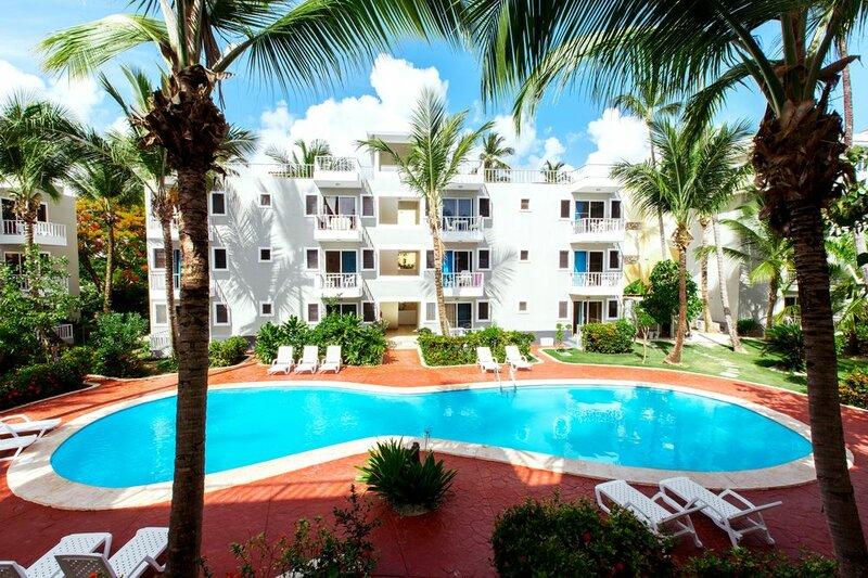 Ducassi Suites Rooftop Pool Beach Club & SPA