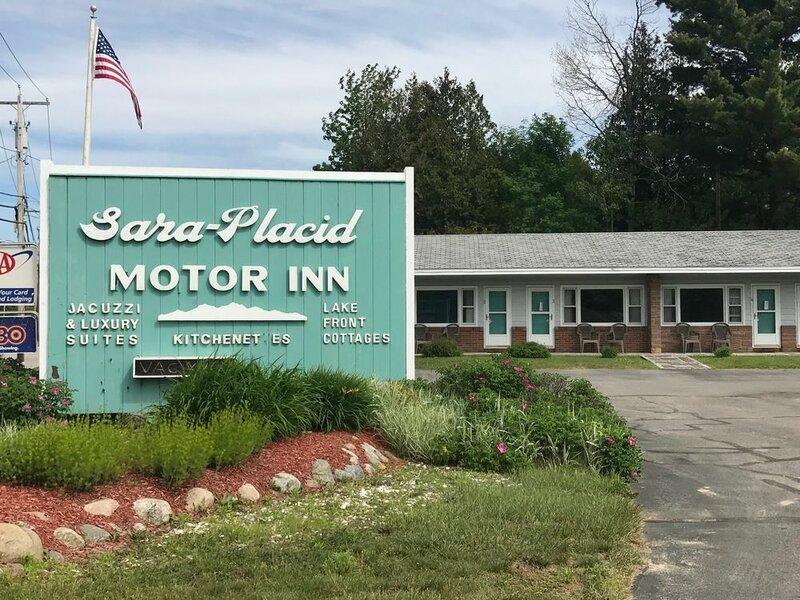Sara Placid Inn & Suites