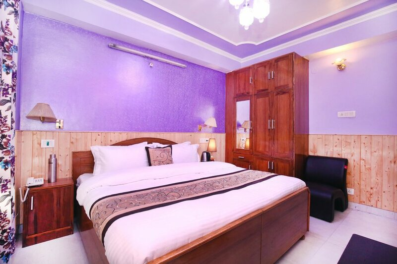 Oyo 13110 Home Valley View 3bhk Panthaghati