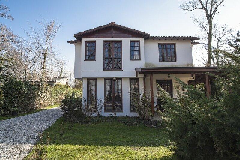 Beta Home Lake House