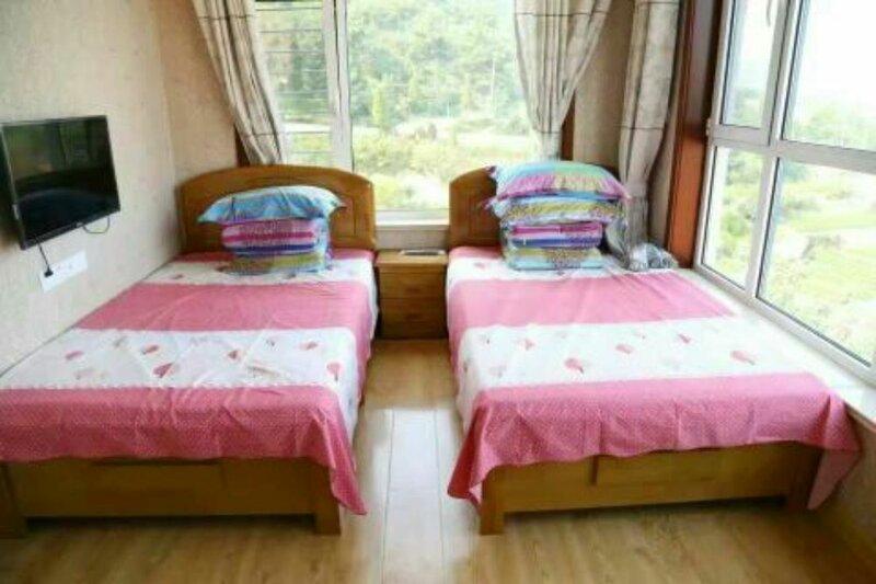 Qingdao Paradise Seaview Cottage