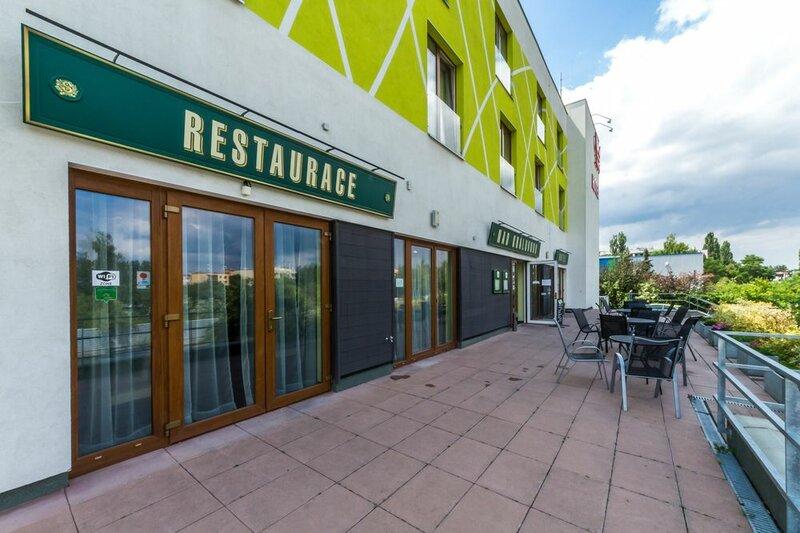 Nad Královnou Hotel & Restaurant