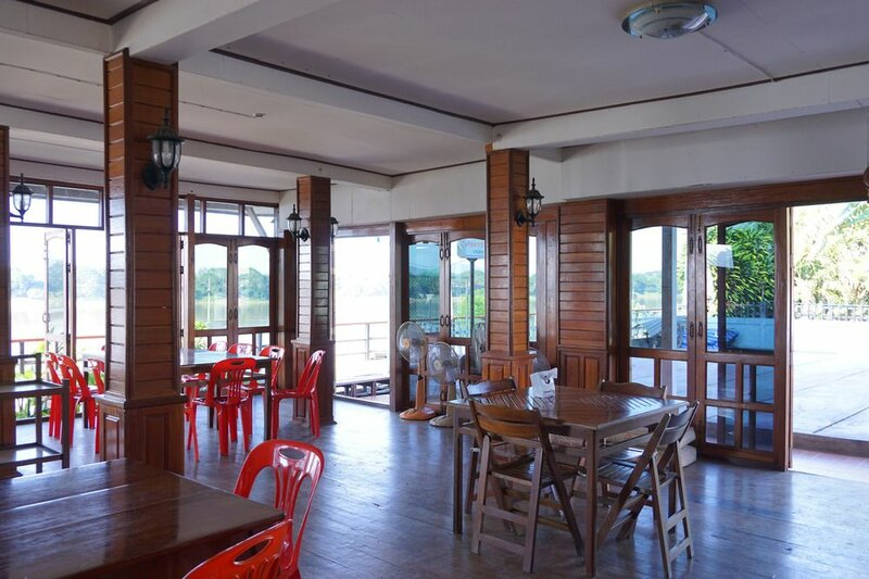Suksomboon Hotel Chiangkhan