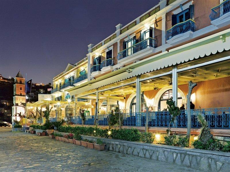 Nireus Hotel