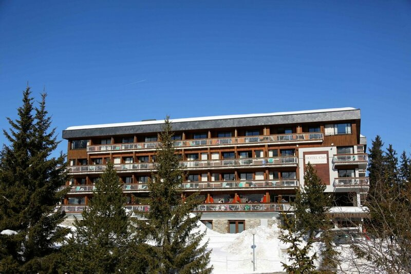 Apartment With 4 Bedrooms in Courchevel, With Wonderful Mountain View