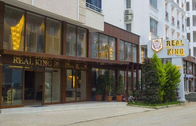 Real King Suit Otel