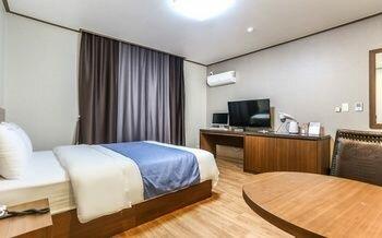 Hyundae Motel