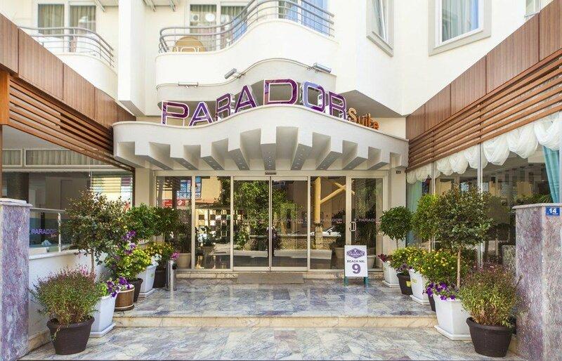Parador Suit Hotel