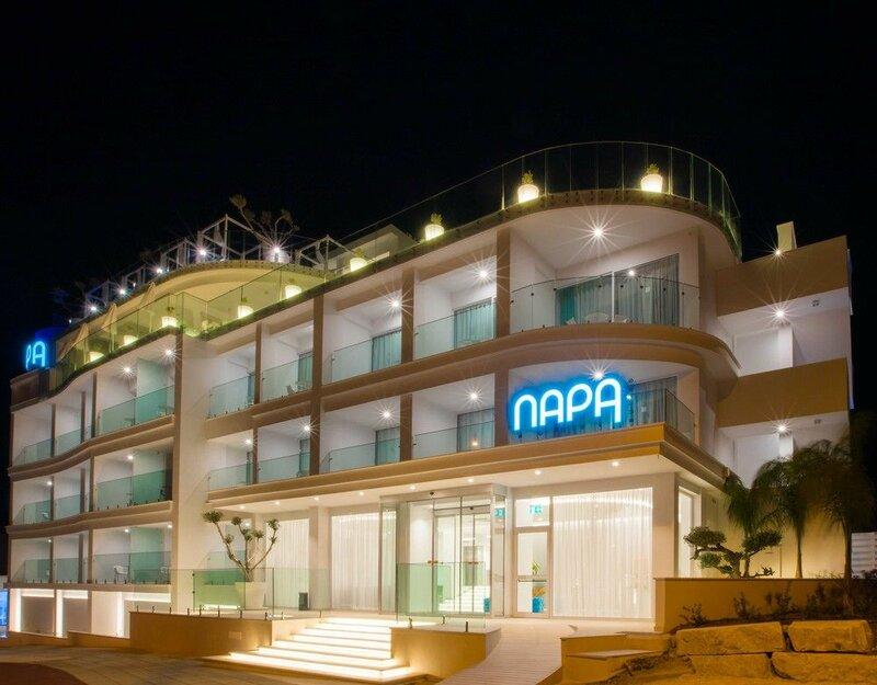 Отель Napa Suites
