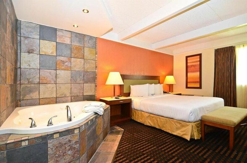 Lexington Inn And Suites-n. w. Chicago/elgin