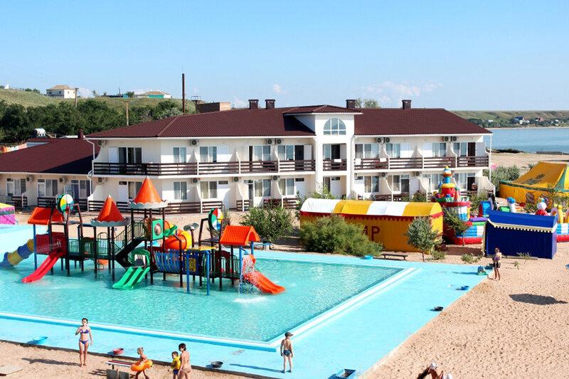 Семейный отель АзовЛенд