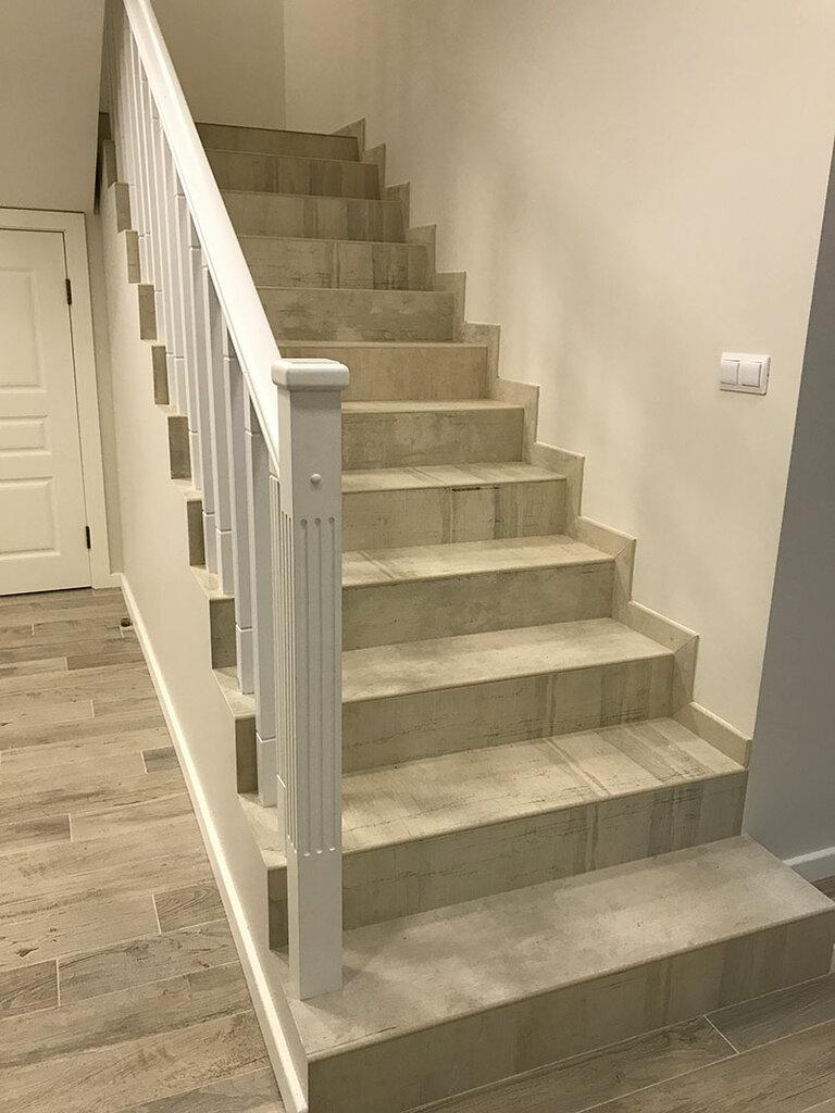 лестница из керамогранита в доме фото элементов мебели