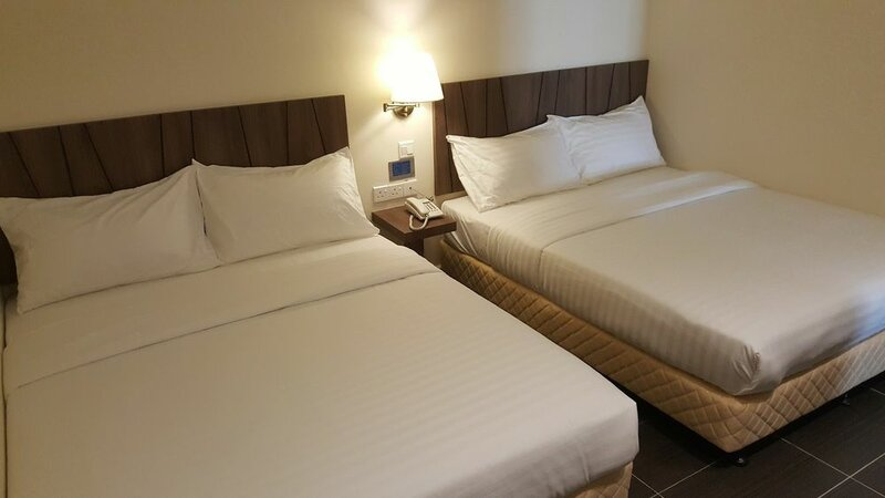 9 Square Hotel - Sri Kembangan