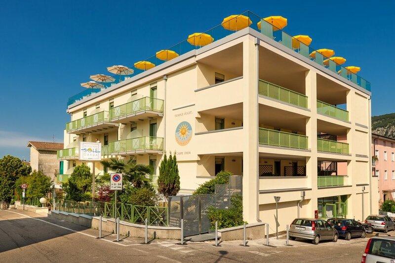 Sky Pool Hotel Sole Garda