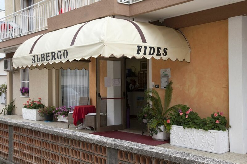 Hotel Fides