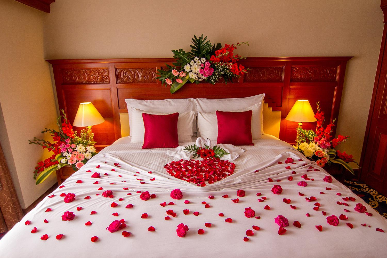оформлении комнаты свадебная фото в спальне сейчас интересные вещи