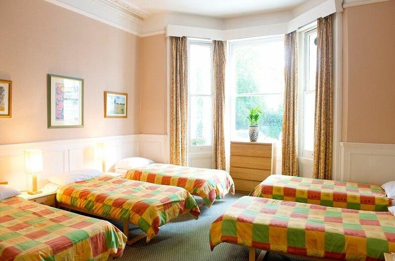 Curzon House Hotel - Hostel