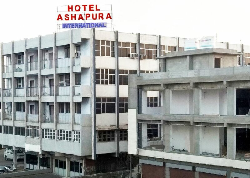 Hotel Ashapura International by Zingo