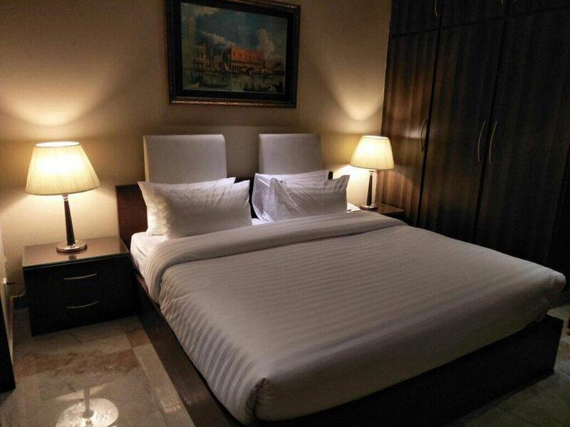 Grand Regent Hotel & Suites