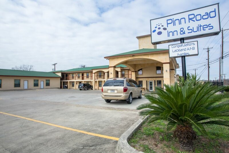 Pinn Road Inn And Suites
