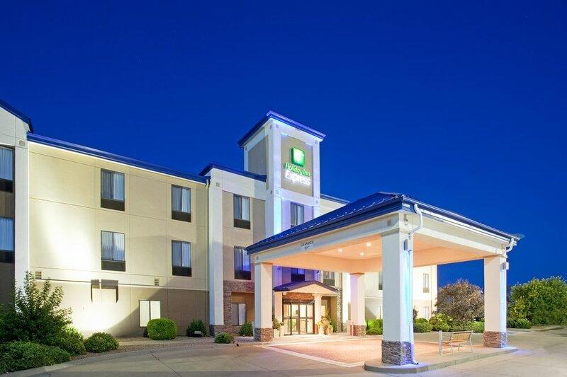 Holiday Inn Express - Garden City