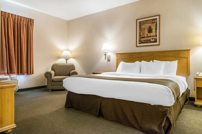 Rodeway Inn and Suites Tomahawk