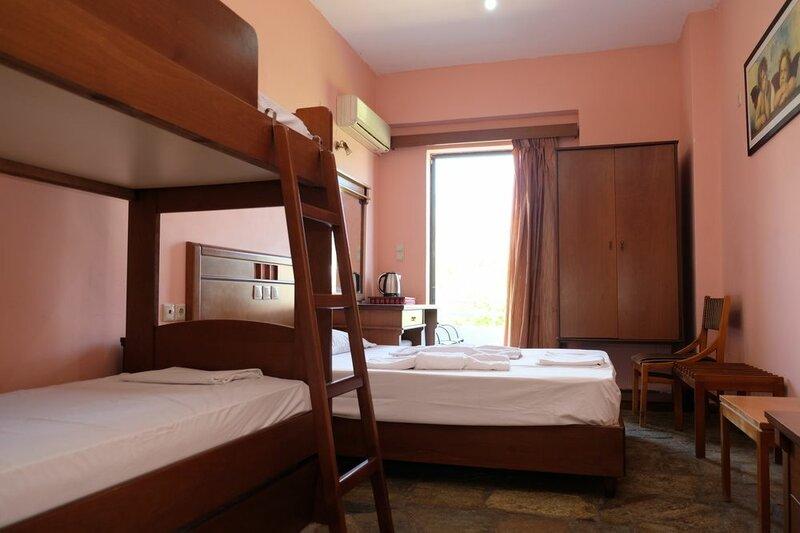 Hotel Rovies