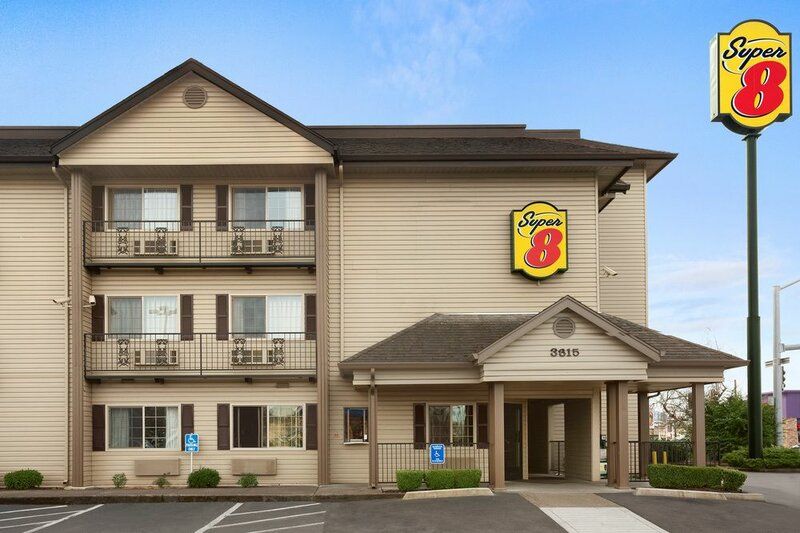 Super 8 by Wyndham Springfield/Eugene