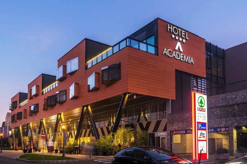 Отель Academia