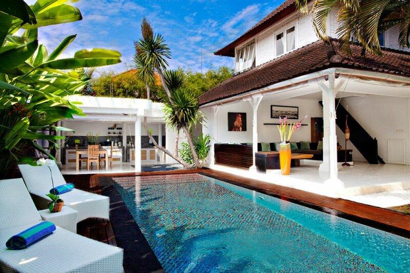 Black & White Villa