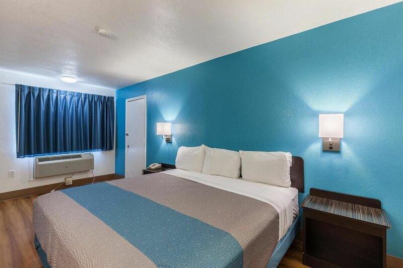 Motel 6 Webster, Tx - Houston - Nasa Lake