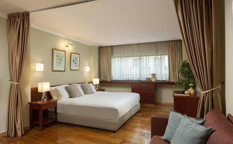 Shani Hotel