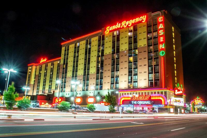Sands Regency Casino Hotel — только для взрослых