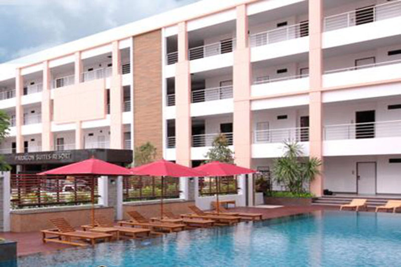 Paragon Suites Resort