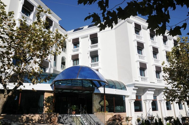 Paradise Island Hotel Darica