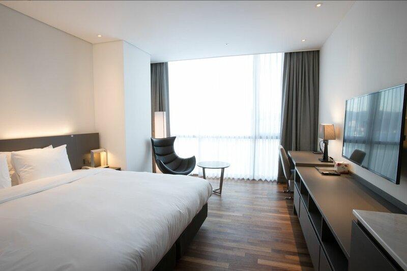Masan Riviera Tourist Hotel