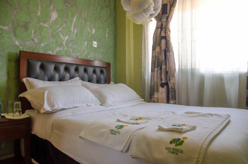 Ash White Hotel