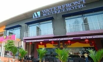 Waterfront Boutique Hotel