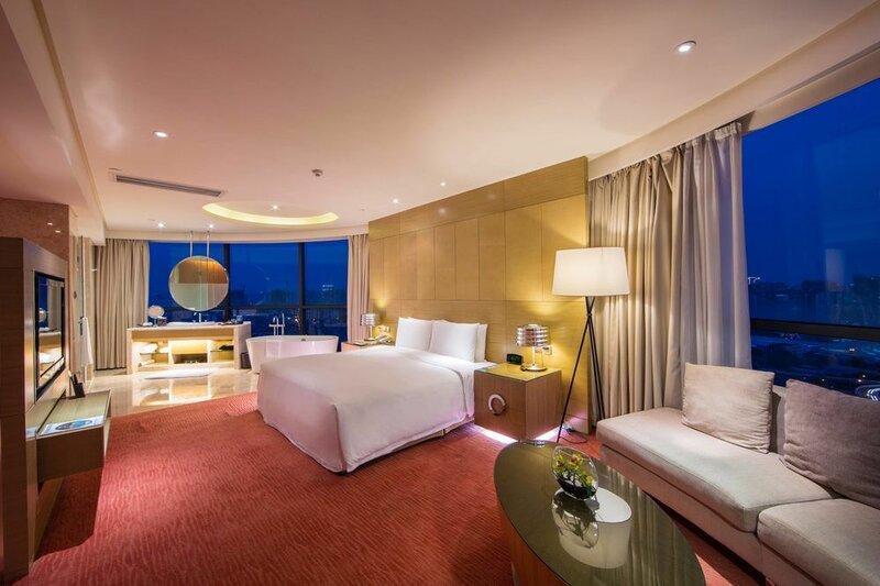 Renaissance Chengdu Hotel