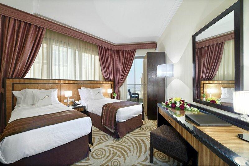 Al Majaz Première Deluxe Hotel Apartments