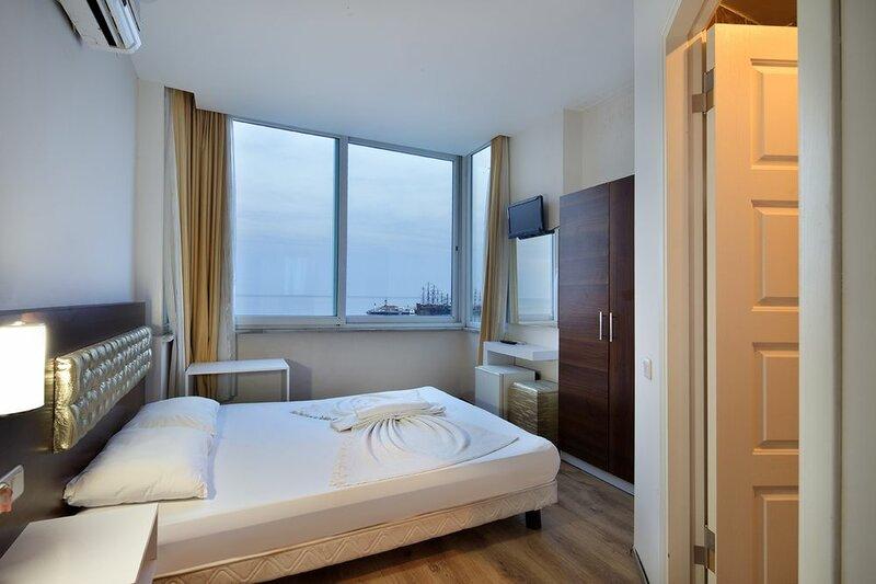 Bonn Beach Hotel