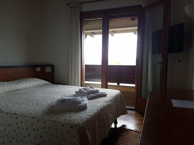 Hotel Caneo
