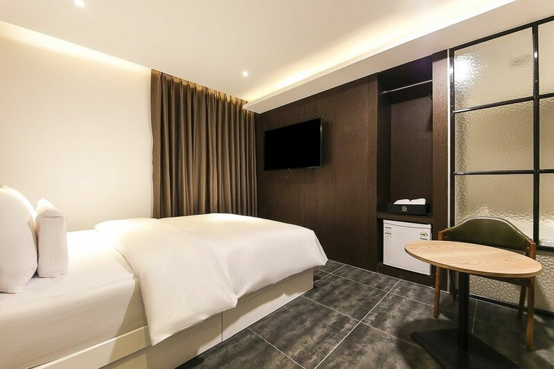 Central Person Hotel Pyeongtaek