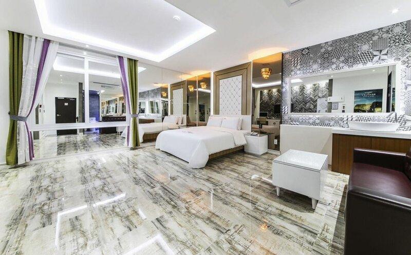Bentley Business Hotel
