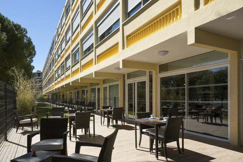 Opéralia Hôtel Les Pins
