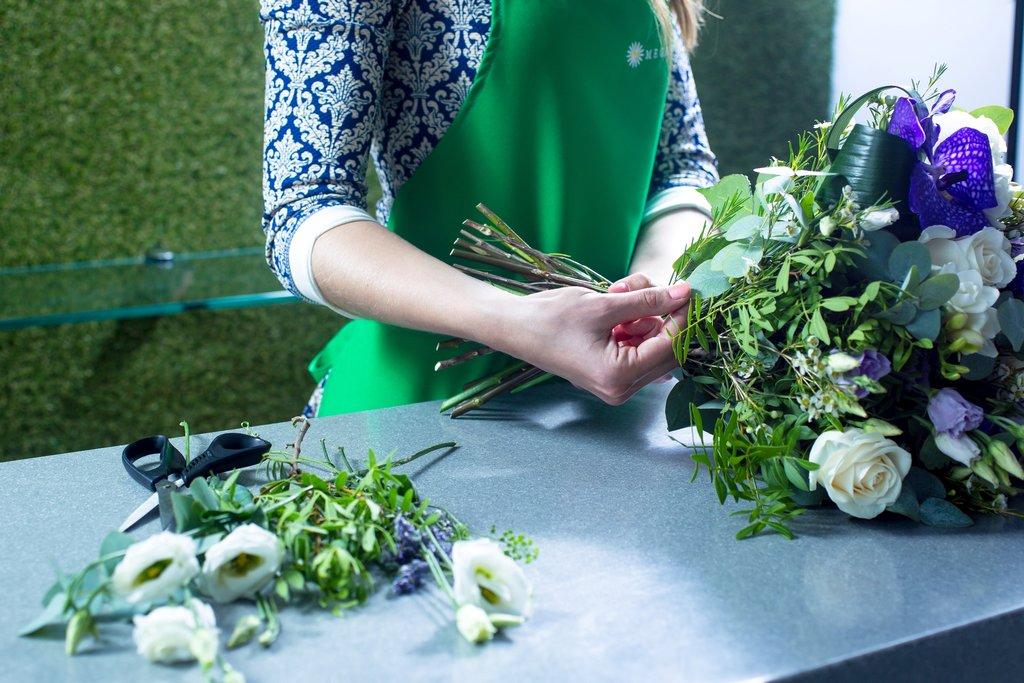 Цветов доставка на дом ревда, цветы подарить мужчине