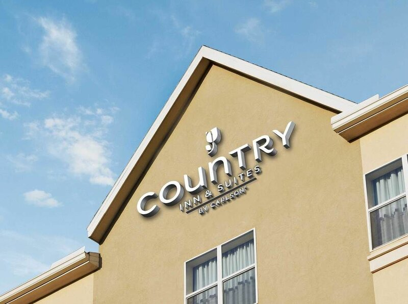 Country Inn & Suites Des Moines- West