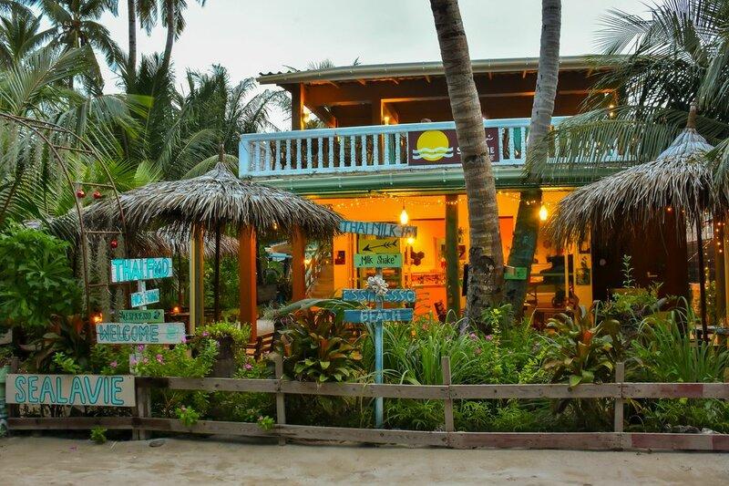 SeaLaVie Inn